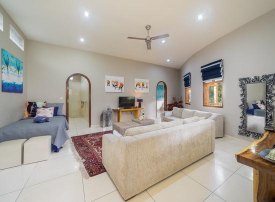 Luxury Raja suite